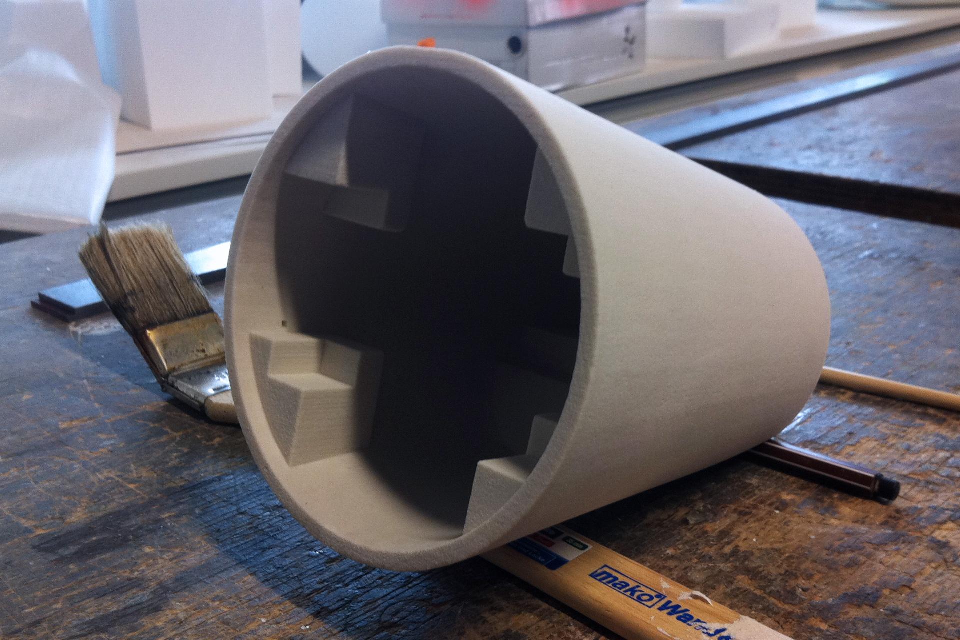 Gips-ähnliches Hülle des Prototypen trocknet gerade